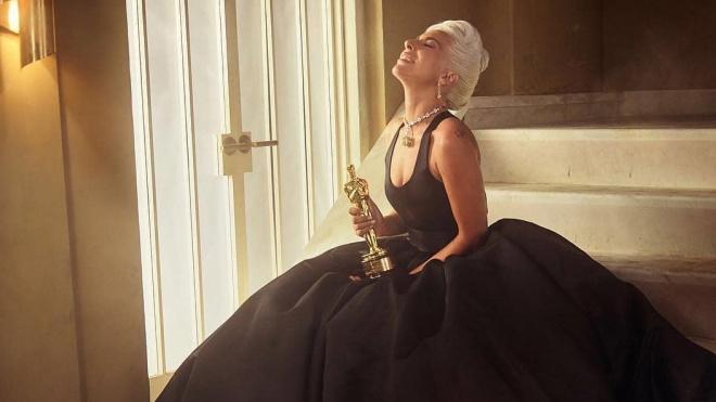 Оскар 2019: самые яркие наряды на красной дорожке