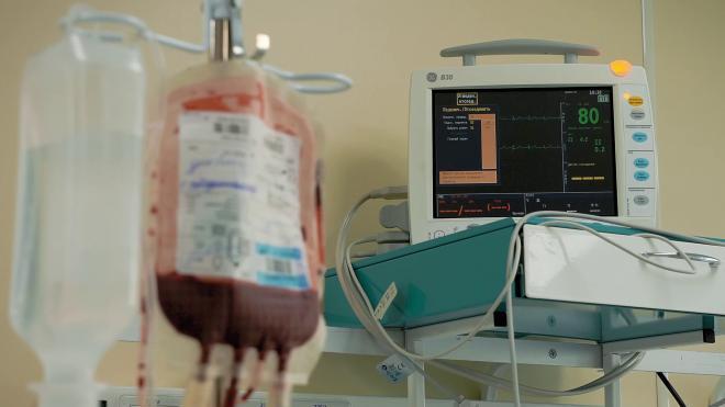 """Пострадавшему при тушении """"Невской мануфактуры"""" пожарному нашли доноров для редкой группы крови"""