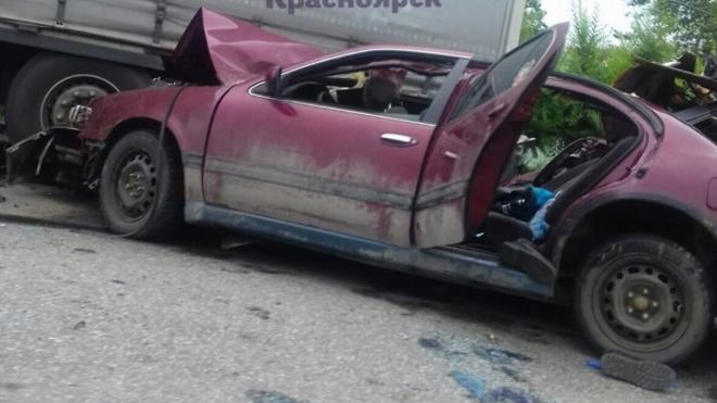 В Красноярске водитель устроил смертельную аварию с двумя погибшими и сбежал