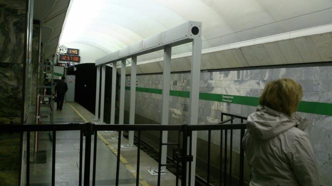 Прозрачные двери в метро спасут петербуржцев от смерти под колесами поезда