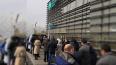 Водители из Петербурга выстроились в очереди за бесплатн ...