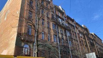 Жители Васильевского острова готовят обращение в прокуратуру в защиту дома Чубакова от опасной стройки