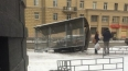 Бешеный автомобиль снес остановку на Среднеохтинском ...