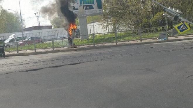 На пересечении Тамбовской и Днепропетровской загорелся электроящик