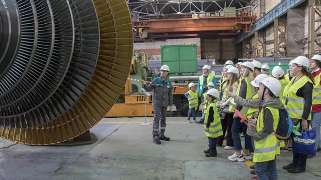 На Ленинградском металлическом заводе впервые собирают тихоходную турбину для АЭС