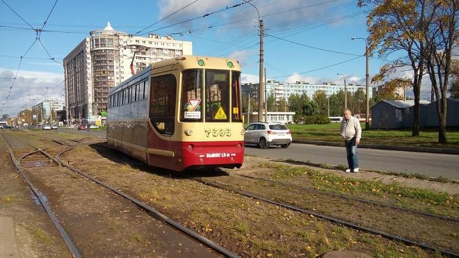 Трамвайные пути на участках Ириновского и Солидарности будут отремонтированы