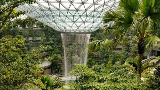 Фото: в сингапурском аэропорту откроется 40-метровый водопад под крышей