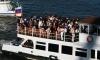 На Москве-реке баржа врезалась в теплоход с выпускниками