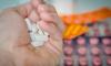 Петербургские полицейские задержали горожанку по подозрению в ограблении аптеки