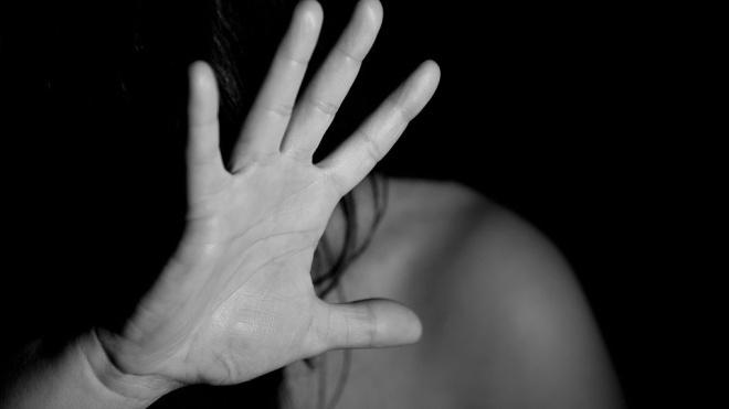 В Саперном таксист пытался изнасиловать выпившую пассажирку