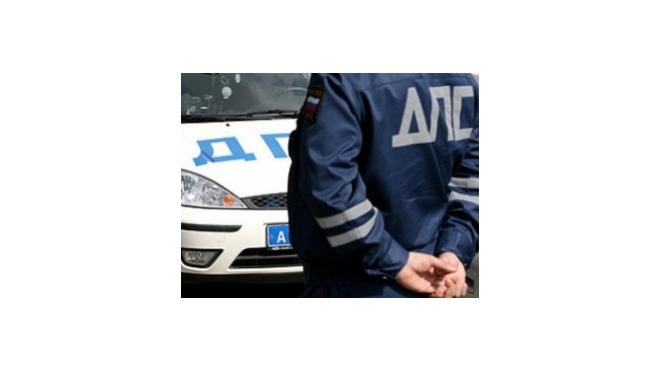 Водитель наехал на инспектора ДПС, чтобы избежать штрафа за нарушение ПДД