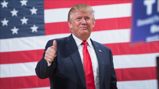 Рейтинг Трампа за полгода упал до рекордной отметки