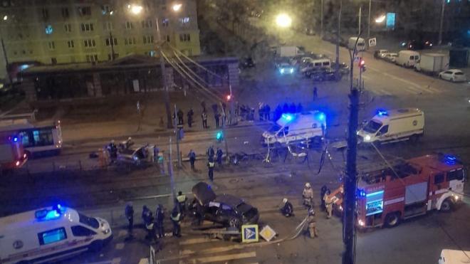 """Два автомобиля разбились """"всмятку"""" в Купчино"""