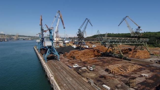 Холдинг Владимира Лисина получил разрешение ФАС купить порт Ванино