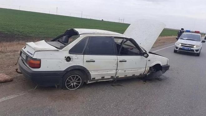В Саратовской области перевернулась на трассе иномарка с двумя детьми