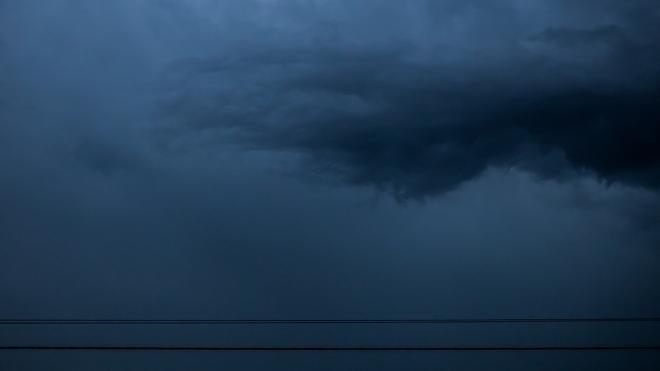 МЧС предупреждает петербуржцев о сильном ночном ливне