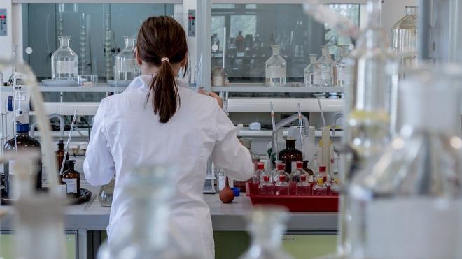 Амбулаторных больных Петербурга станут тестировать городские лаборатории