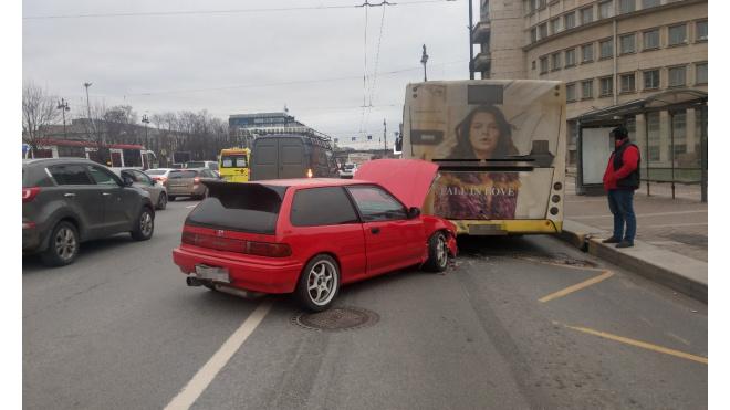 В ДТП на Московском проспекте пострадал человек