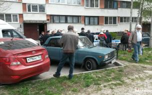 На Солдата Корзуна девушка выпала из окна 8 этажа: ее поймали одеялом