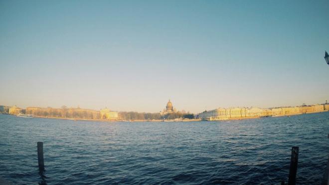 Последний рабочий день в Петербурге завершится туманом и моросью