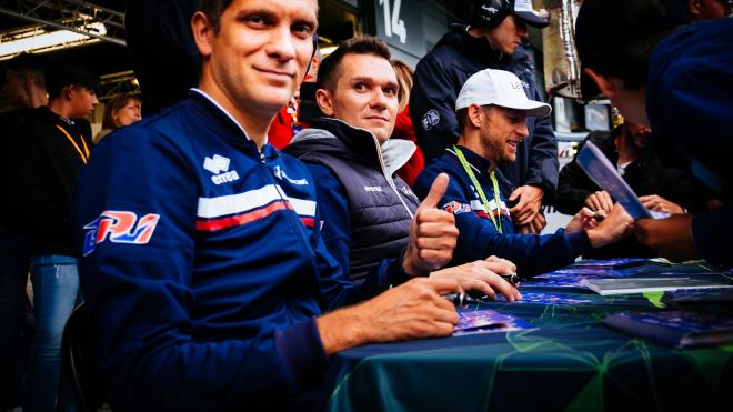 Экипаж Виталия Петрова стал 3-м на квалификации в Сильверстоуне, но сошел с гонки из-за технических проблем