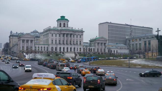 В Москве в апреле изменятся тарифы на парковку почти на 200 участках