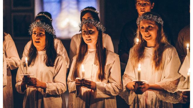 В Выборгском замке жители и гости города отпраздновали День Святой Люсии
