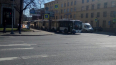 На площади Климова водитель троллейбуса упал на дорогу ...