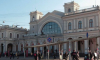 В Петербурге эвакуируют Балтийский вокзал: люди мерзнут на улице