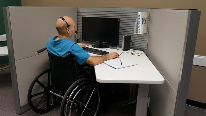 В Выборгском районе выделено 286 рабочих мест для инвалидов, а работают на них лишь 33 человека