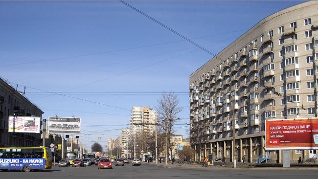Владельцы магазина на проспекте Непокоренных задолжали городу 1,1 млн рублей