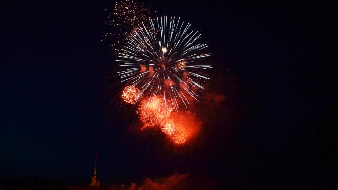 В Петербурге запустят более полутора тысяч фейерверков 23 февраля