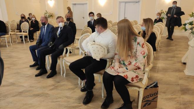 В ЗАГСе Красносельского района впервые торжественно зарегистрировали детей