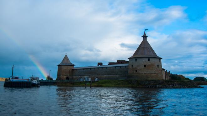 В Петербурге запустили регулярные водные маршруты до крепости Орешек