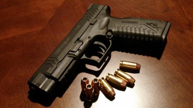 У подозреваемых в незаконной продаже оружия петербуржцев дома нашли целый арсенал