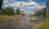Прорыв трубы на Российском проспекте сорвал асфальт с дороги