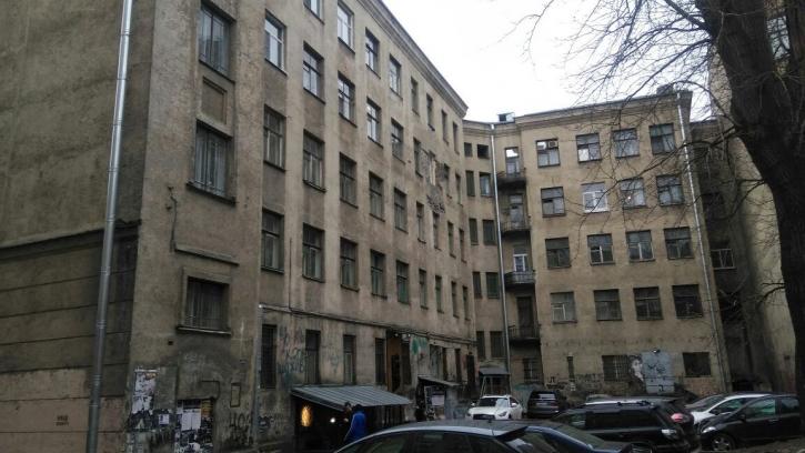 """Город ищет инвестора для расселения квартир в """"Доме Цоя"""" на Блохина"""