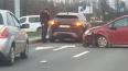 Проспект Луначарского встал в пробку из-за трех автомоби...