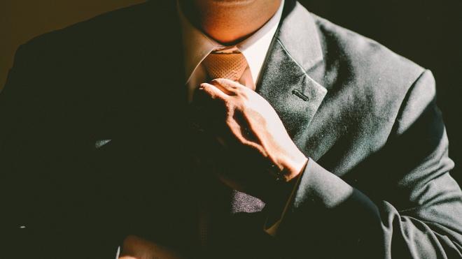 В ЗакСе Петербурга продолжат носить галстуки