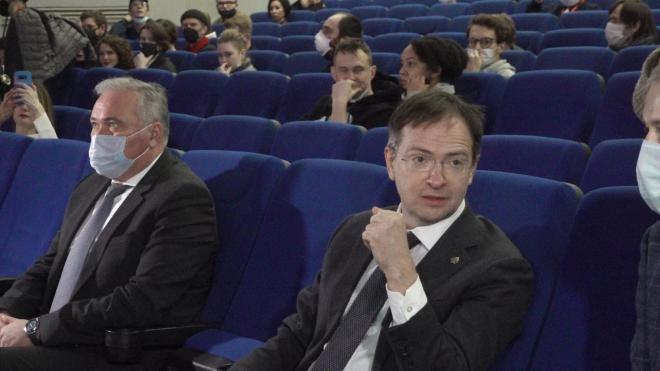 Владимир Мединский посетил закрытие кинофестиваля «Окно в Европу»