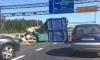 Мусоровоз, потерявший контейнер, завалил заезд на ЗСД мусором