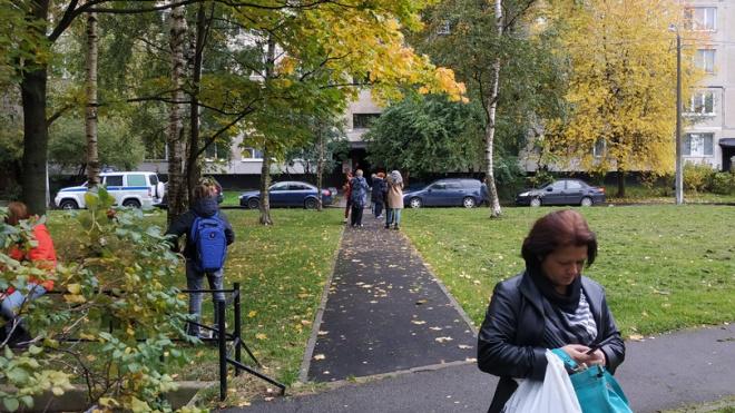 В Невском районе эвакуируют жильцов жилого дома