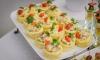"""В гостинице """"Полюстрово"""" китайцев отравили просроченным салатом"""