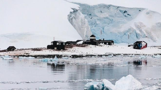 Новый зимовочный комплекс антарктической станции Восток отправили из порта в Петербурге