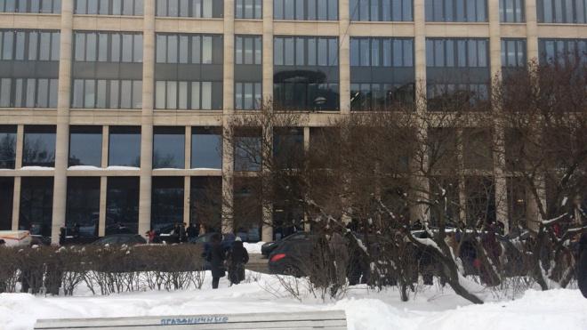 В волну массовых эвакуаций попала Невская ратуша