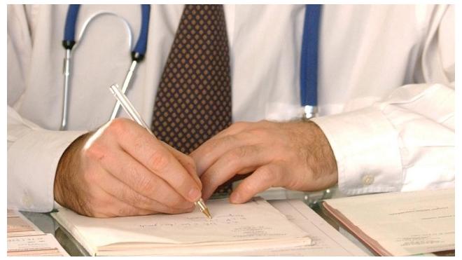 Врачам запретят писать в рецептах названия лекарств