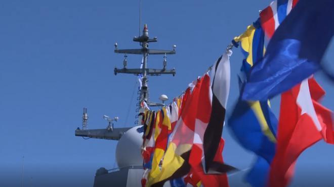 Центр Петербурга окрасится в цвета Андреевского флага в ночь на 27 июля
