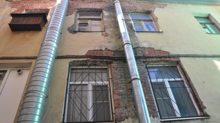 В Центральном районе проверили капитальный ремонт кровель и фасадов