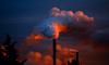 Эксперты объяснили, почему воздух в Петербурге стал ядовитым