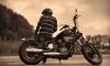 В Выборгском районе мотоциклист сбил школьницу и скрылся с места аварии